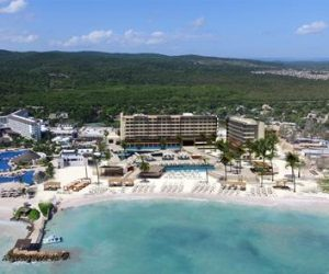 Royalton Blue Waters hotel op Jamaica