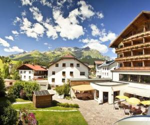 Tirolerhof hotel in het Oostenrijkse Nauders